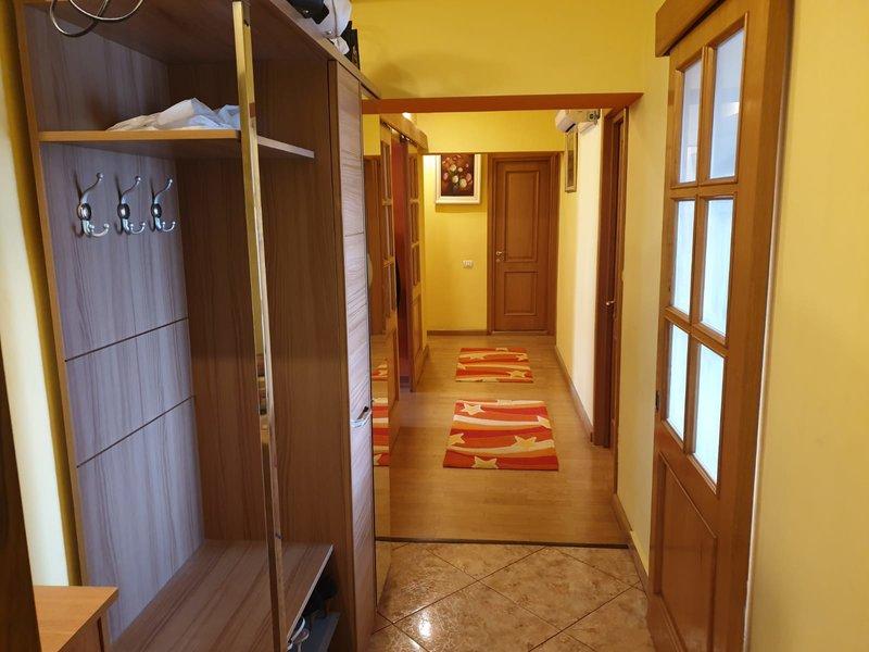 Oferta inchiriere apartament 4 camere Stefan cel Mare