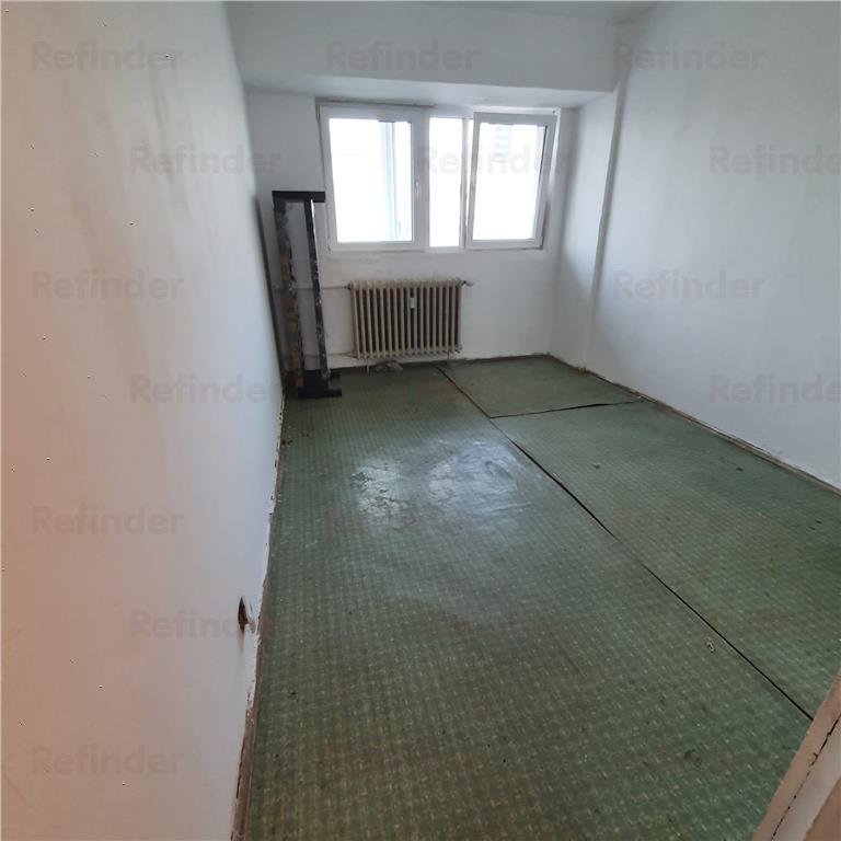 Vanzare Apartament 4 camere  Pta. Victoriei  America House