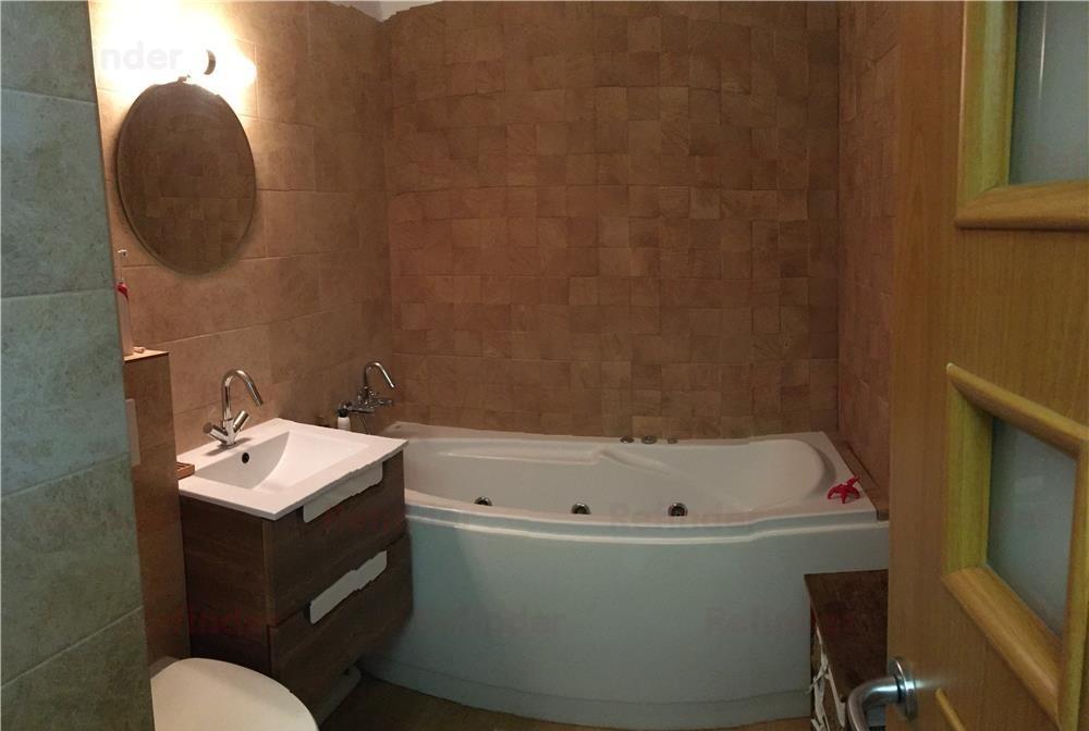 Vanzare apartament 4 camere zona Piata Alba Iulia