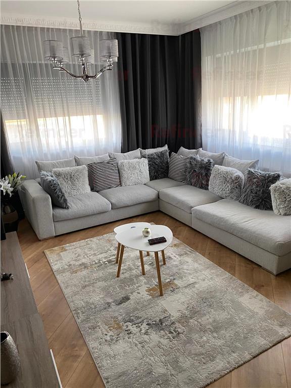 Vanzare apartament 3 camere Pipera