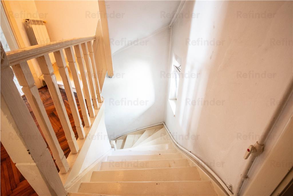Vanzare | Vatra Luminoasa | et 1+ pod | intrare separata | curte