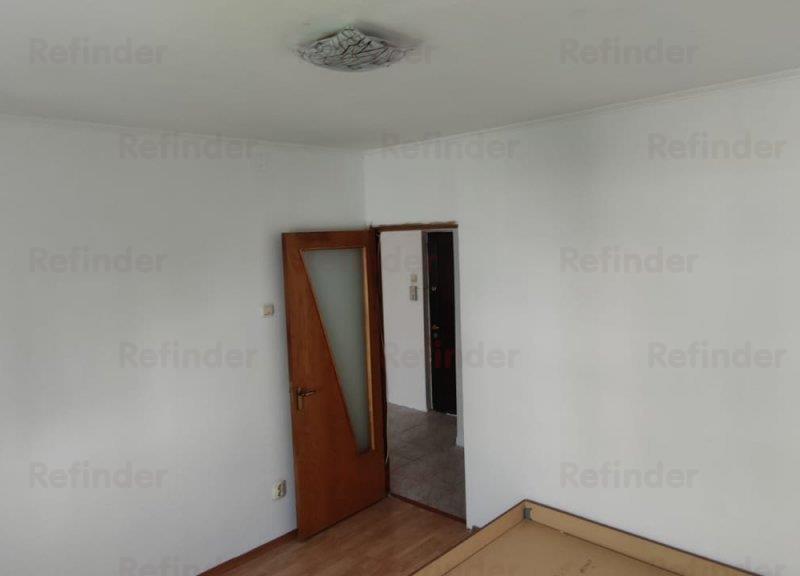 Vanzare apartament 2 camere   Decomandat   Utilat