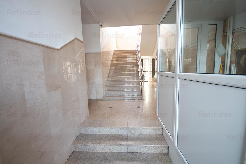 Oferta inchiriere apartament 4 camere Piata Unirii  metrou