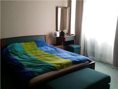 Apartament 3 camere de vanzareStefan cel Mare