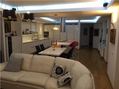 Vanzare apartament 4 camere Universitate, Bucuresti