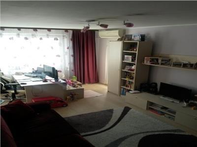 Vind apartament 3 camere zona Alba Iulia, Bucurersti