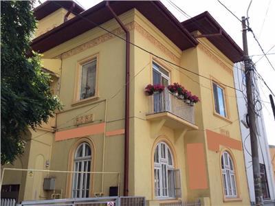 Vanzare apartament tip duplex 8 camere Stefan Cel Mare, Bucuresti