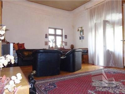 Vanzare apartament tip duplex Universitate, Bucuresti