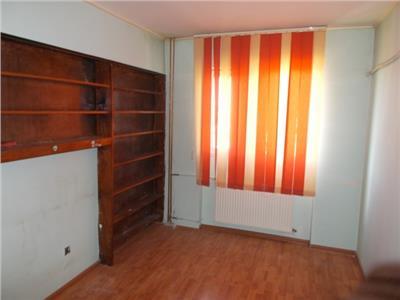 Vanzare apartament 4 camere Republicii Ploiesti