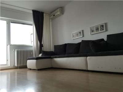 Vanzare apartament 3 camere, bulevardul Chisinau