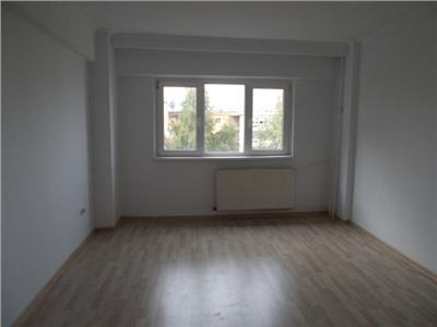 Inchiriere apartament 3 camere Cantacuzino, Ploiesti