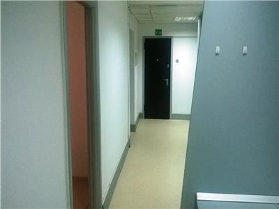 Spatii de birouri de inchiriat la Universitate