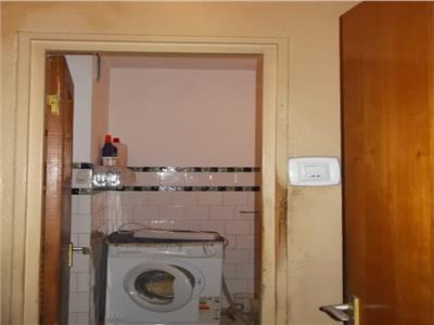 Vanzare apartament 2 camere Democratiei