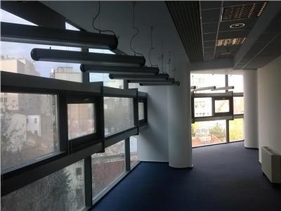 Spatii de birouri la Universitate