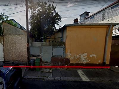 Vanzare teren cu 2 case Piata Alba Iulia - CEC, Bucuresti