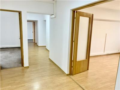 Inchiriere apartament 4 camere Piata Alba Iulia, Bucuresti