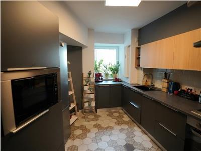 Inchiriere apartament 3 camere, lux  Piata Victoriei