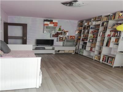 Vanzare apartament 3 camere Dristor
