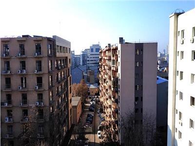 vanzare garsoniera piata alba iulia - decebal Bucuresti
