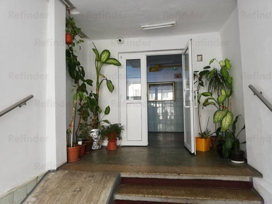 Vanzare apartament 3 camere Fizicienilor