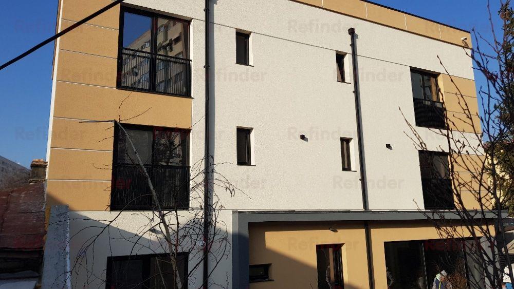 vanzare vila lux 7 camere dristor - parklake Bucuresti