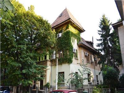 inchiriere vila 8 camere in stil brancovenesc zona cotroceni Bucuresti