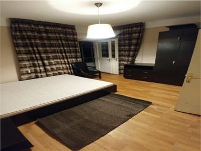 Oferta vanzare apartament 3 camere in zona Mosilor