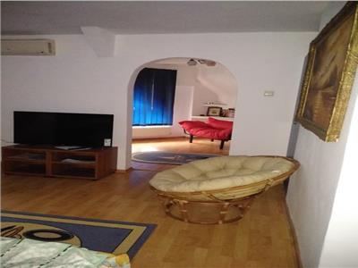 Vanzare apartament 5 camere in vila zona Tineretului