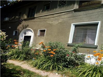 vanzarea 3 camere apartament in vila zona primaverii Bucuresti