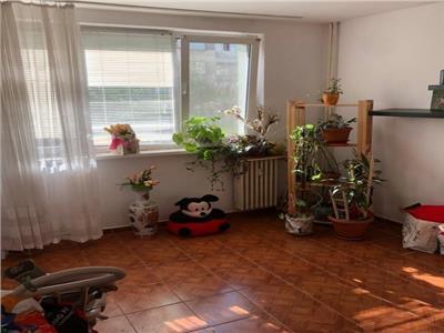 vanzare apartament 4 camere drumul taberei - moghioros Bucuresti