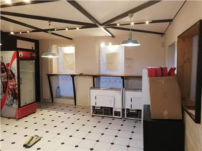 Vanzare imobil compus din apartament si spatiu comercial Piata Romana