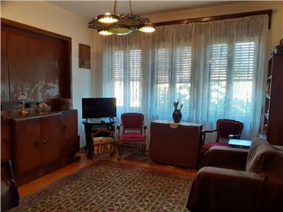 vanzare apartament 3 camere in vila in zona cotroceni Bucuresti