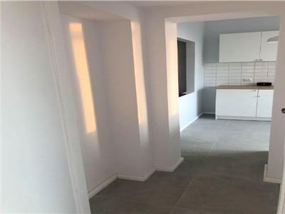 3 camere/Renovat nou/Turda/Calea Grivitei