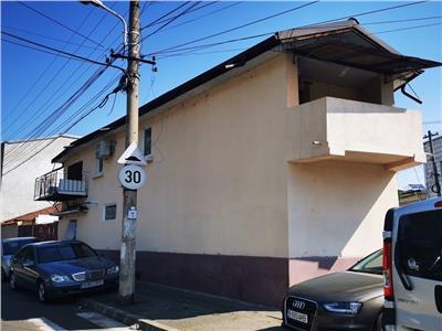 Inchiriere casa zona Rond Cosbuc 4 camere
