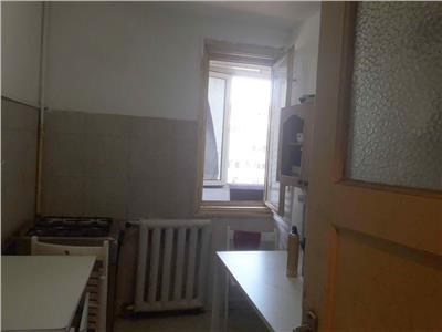 Vanzare apartament 3 camere Calea Grivita/MOL