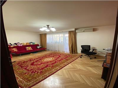 vanzare apartament 4 camere titan Bucuresti