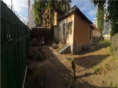 vanzare 2 corpuri de casa demolabila in zona calea serban voda Bucuresti