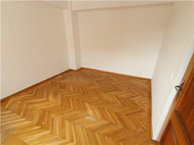 inchiriere apartament 3 camere nemobilat piata romana Bucuresti