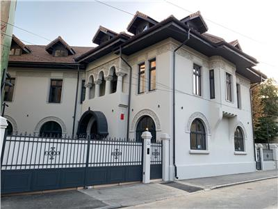 vanzare imobil reprezentativ, restaurat - romana - piata lahovari Bucuresti