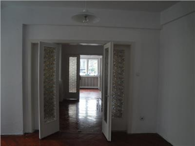 inchiriere apartament 6 camere universitate -  romana Bucuresti