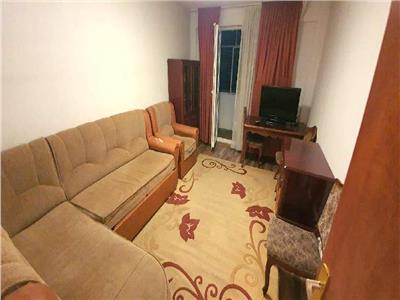 Vanzare apartament spatios 2 camere in Tei