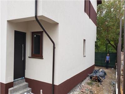 se ofera spre vanzare vila duplex aparatorii patriei Bucuresti