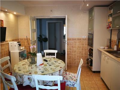 vanzare apartament frumos 4 camere in stefan cel mare Bucuresti