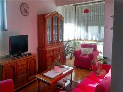 vanzare apartament deosebit si spatios in zona mosilor Bucuresti