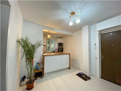 Vanzare apartament 3 camere Dristor   mobilat si utilat