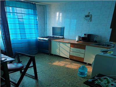 exceptional!!! apartament 2 camere , decomandat, bloc 1976, reabilitat, etaj 4/4 ,amenajat, 52000euro Bucuresti