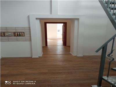 apartament 3 camere  renovat in 2021, in vila cu trei apartamente cu mansarda si curte comuna 500 mp , zona mosilor - hristo botev Bucuresti