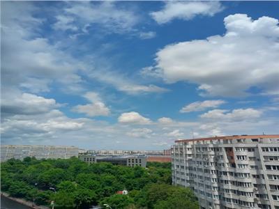 vanzare apartament 4 camere solid si cu panorama , zona mosilor - metrou obor Bucuresti