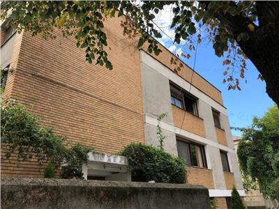 arcul de triumf - 4 camere + garaj + anexe Bucuresti