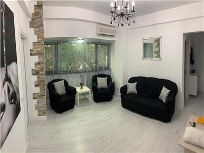 vanzare apartament 3 camere mobilate si utilate  lux, in cladire interbelica consolidata, zona ultracentrala - carol . Bucuresti
